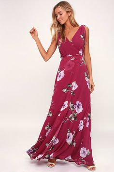 You're bound to be blooming with compliments when you don the Lulus Into Bloom Burgundy Floral Print Maxi Dress! Moody floral print maxi dress with slit skirt. Dressy Maxi Dress, Maxi Skirt Fall, Burgundy Maxi Dress, Maxi Dress Wedding, Maxi Dress With Slit, Maxi Wrap Dress, Maxi Dresses, Dress Casual, Purple Dress