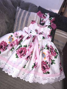 Girls Dresses Sewing, Vintage Girls Dresses, Little Girl Dresses, Cute Dresses, Cotton Frocks For Kids, Frocks For Girls, Frock Patterns, Baby Dress Patterns, Dress For Girl Child