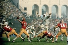 1973 The Dolphins' Manny Fernandez (75) pursues Redskins quarterback Billy Kilmer in Super Bowl VII.