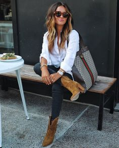 Casual Vacation Outfits for Spring Summer Travel Style « The Best Fashion – Women's Fashion Business Casual Outfits, Casual Fall Outfits, Black Jeans Outfit Fall, Rustic Outfits, Business Attire, Outfit With Ankle Boots, Fall Business Casual, Preppy Work Outfit, Leopard Shoes Outfit