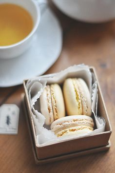 Wedding favour idea.  Macarons.  Can be gluten-free.