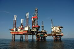 There is still hope for the oil and gas industry    Image source: http://oilandgasbusinessschool.com/wp-content/uploads/2015/11/oilngasmgt.jpg