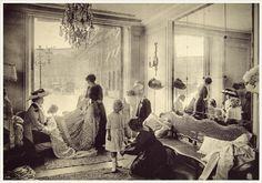 Салон Мадлен Шерюи, 1910 г