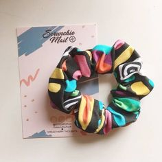 Omg the best scrunchie ever, stranger things ❤️💜 - Rosa - Scrunchies Stranger Things Merchandise, Stranger Things Netflix, Scrunchies, Party Favors, Shower Favors, Big Little Reveal, Accesorios Casual, Best Friend Birthday, Birthday Gifts