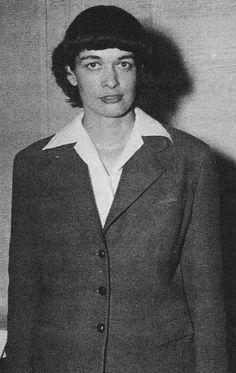 Aunque nadie la recuerde, Leona Woods, fue la primera y única mujer que junto con otros famosos científicos montó el primer reactor nuclear y desarrolló la primera bomba atómica.