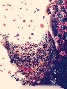 Himmlisches Kleid aus Blüten <3 #tollwasblumenmachen