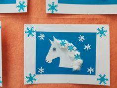 Sv. Martin na bílém koni - kůň: šablona koně, raznice vloček, barevné tvrdé papíry, knoflíky - oko, černý fix.