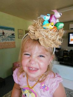 Get crafty with these egg-sellent Easter bonnet ideas! Regardless of your child's age or skill level, you'll find some gorgeous Easter inspiration here! Crazy Hat Day, Crazy Hats, Hoppy Easter, Easter Eggs, Easter Bonnets, Easter Bunny, Easter Hat Parade, Diy Ostern, Easter Activities