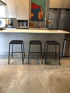 Stylish modern kitchen with Dark Horse woven rope stools. #kitchen #design #modernhome #modernkitchen #stools South African Design, Dark Horse, Modern Furniture, Horses, Kitchen, Home Decor, Cooking, Decoration Home, Room Decor