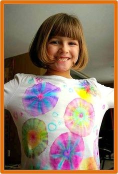 NO DYE Tie Dye T-Shirts~ Kids use Sharpie markers to create their own colorful designs. Stretch sections of a 100% cotton t-shirt over the tops of sturdy paper cups. Secure with rubber bands. Color. Add a bit of rubbing alcohol and let design dry. Remove bands. Wash separately on hot and dry. Children will enjoy wearing their custom creations all summer long!