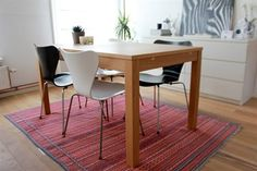 Dining area with Persian rug | live from IKEA FAMILY