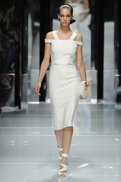Versace S/S 2011: Milan Fashion Week