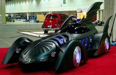 """Bob Causey spent 10 years building a replicated Batmobile from the 1995 movie """"Batman Forever. Cool Sports Cars, Sport Cars, Cool Cars, Batman Car, Batman Batmobile, Batman Suit, Steampunk, Motorcycle Tank, Batman The Dark Knight"""
