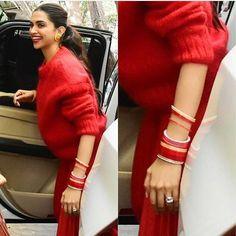 Follow me mohammed khalander... Bollywood Stars, Bollywood Fashion, Bollywood Actress, Mhendi Design, Deepika Padukone Style, Ranveer Singh, Indian Celebrities, Indian Designer Wear, Indian Bridal