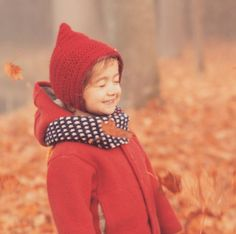 One of my favorite november pictures of all time. November Pictures, Mini Boden, Autumn Leaves, All About Time, Childhood, Crochet Hats, Instagram Posts, Friday, Knitting Hats