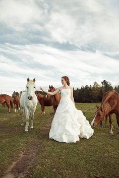 Equestrian Bride Portrait   www.photografia.ca