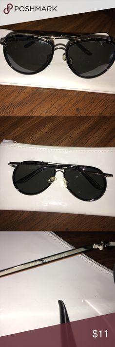 Nice Black and Silver Sunglasses These Sunglasses are in great condition! Accessories Sunglasses