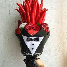 Flowers For Men, Diy Flowers, Flower Decorations, Paper Flowers, Vegetable Bouquet, Food Bouquet, Edible Bouquets, Flower Boxes, Creative Gifts