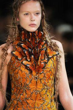 Alexander McQueen Monarch dress at Paris Fashion Week Spring 2011 . Alexander McQueen by Sarah Burton . Couture Mode, Couture Fashion, Fashion Art, Runway Fashion, High Fashion, Fashion Show, Fashion Design, Trendy Fashion, Dress Fashion