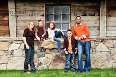 Rebekah Westover Photography: families- another great example of color combos...