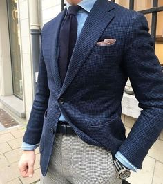 Look At These Men's Jackets. Discover some very nice mens fashion. With so much style for men to choose from these days, it can be a overwhelming experience. Der Gentleman, Gentleman Style, Mens Fashion Suits, Mens Suits, Men's Fashion, Fashion News, Stylish Men, Men Casual, Terno Slim