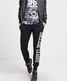 TWINTIP Spodnie dresowe czarne damskie z białym napisem black