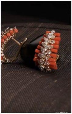 Jewelry Design Earrings, Gold Earrings Designs, Gold Jewellery Design, Beaded Jewelry, Coral Jewelry, Indian Jewelry Sets, Gold Jewelry Simple, Jewellery Sketches, Wedding Jewelry
