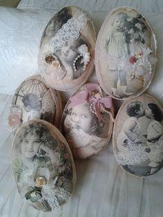 Even iets anders. Easter Egg Crafts, Easter Eggs, Decoupage, Diy And Crafts, Crafts For Kids, Easter Egg Designs, Shabby, Egg Art, Egg Decorating
