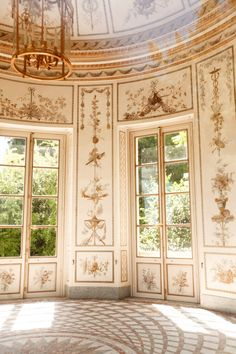 Intérieur du Pavillon du Belvédère, Parc du Petit Trianon, Versailles.