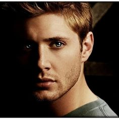 Supernatural - Dean Winchester Papel de Parede no Baixaki ❤ liked on Polyvore featuring supernatural, people, guys, jensen ackles and boys