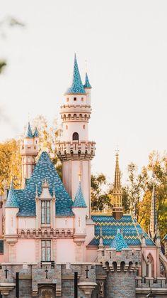 Credits to Sean Spansel - insta (spanselphotos) Disney Aesthetic, Disneyland Resort, Magic Kingdom, Disney Parks, Big Ben, Iphone Wallpaper, Earth, World, Cartoons