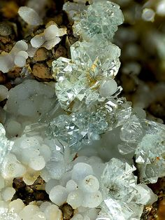 Adamite, Smithsonite. Jean Baptiste mine, Agios Konstantinos, Lavrion district, attikí prefecture, Greece