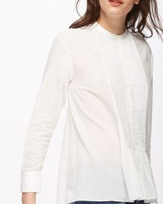 Made from 100% cotton, this effortlessly stylish voile shirt features a…