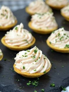 Cocina – Recetas y Consejos Appetizers For Party, Appetizer Recipes, Snack Recipes, Cooking Recipes, Tea Time Snacks, Party Food Platters, Spanish Dishes, Christmas Dishes, Appetisers
