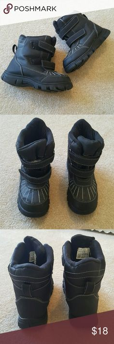 Children's Place snow boots 🌸Great condition Children's Place Shoes Rain & Snow Boots
