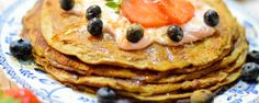 Banana Pancakes - Everyone loves pancakes and these gluten free, dairy free and sugar free banana pancakes are so simple and so delicious – they're the happiest breakfast ever. Dairy Free, Gluten Free, Banana Pancakes, Fun Desserts, Sugar Free, Delish, Sweet Tooth, Good Food, Sweets