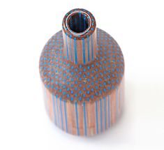 Amalgamated Vases by Tuomas Markunpoika, Created by individually gluing one facet of a pencil to another, taking advantage of the tessellating hexagonal shapes to form a solid block which is then lathed. Pencil Vase, Wooden Vase, Coloured Pencils, Everyday Objects, Vases Decor, Wood Turning, Scandinavian Design, Decoration, Carving