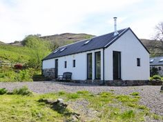 strontoiller-cottage-oban-scotland-exterior-02