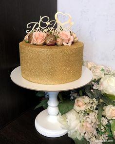 Cake & Co, Cake Art, Black And Gold Birthday Cake, 40th Birthday Party For Women, Charcuterie Platter, Sport Cakes, Glitter Cake, Gold Cake, Velvet Cake