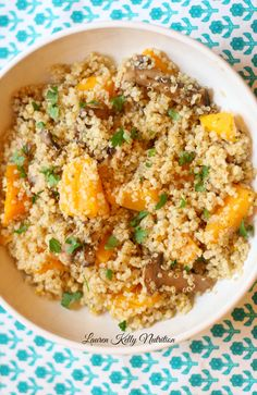 This Mushroom and Squash Quinoa Risotto is delicious and simple to make.  It's also healthy, gluten-free and a huge crowd pleaser! http://www.laurenkellynutrition.com
