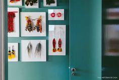 40-decoracao-corredor-parede-azul-suvinil-penas-indigenas