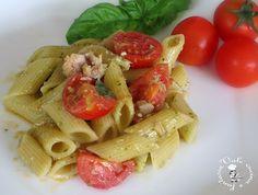 Pasta fredda con pesto,tonno e pomodorini