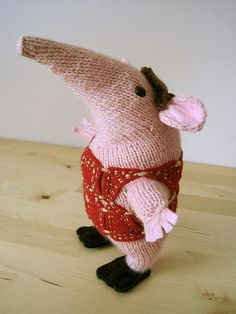 Soup Dragon Knitting Pattern Free : 1000+ images about Knitted Mice & other Rodents on ...