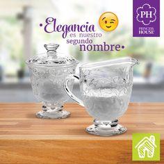 Toma tu café como sólo las princesas saben hacerlo. Adorna tu mesa con el espectacular y elegante dúo de Azucarera y Cremera de la colección Fantasia®.