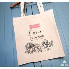 Tote bag EVJF Au nom de la rose idéal comme cadeau pour vos témoins, invités ou lors d'un enterrement de vie de jeune fille (EVJF)... Ce tote bag personnalisé est un souvenir original à conserver.