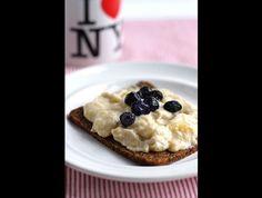Snídaně s banánem Pancakes, Oatmeal, Breakfast, Food, Fine Dining, The Oatmeal, Morning Coffee, Rolled Oats, Essen