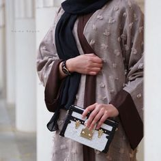 Abaya Fashion, Fashion Outfits, Abaya Pattern, Modern Abaya, Innocent Girl, Abaya Designs, Islamic Clothing, Girl Photography Poses, Hijab Outfit