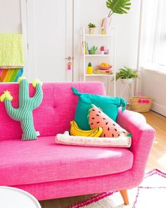 Pretty in pink home decor - Home Decoration Ideas Colourful Living Room, Coastal Living Rooms, Living Room Decor, Bedroom Decor, Living Spaces, Colourful Lounge, Sofa Living, Entryway Decor, Girls Bedroom