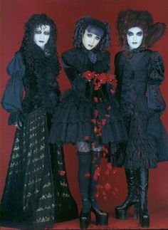 """Gothic Lolita - """"/cgl/ - Cosplay & EGL"""" is imageboard for the discussion of cosplay, elegant gothic lolita (EGL), and anime conventions. Mode Harajuku, Harajuku Fashion, Lolita Fashion, Gothic Fashion, Steampunk Fashion, Emo Fashion, Gothic Girls, Gothic Lolita, Lolita Style"""