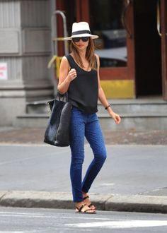 Miranda Kerr Sleeveless Tops for Summer